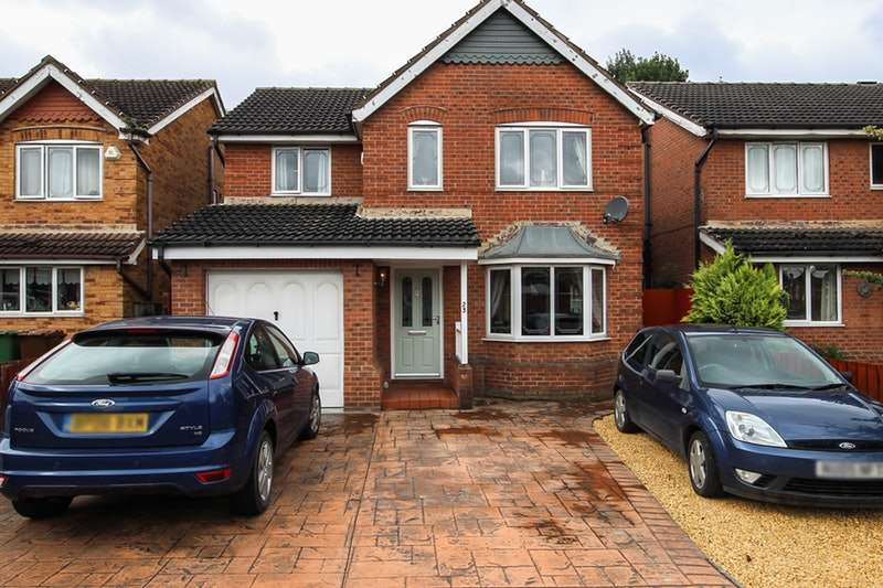 4 Bedrooms Detached House for sale in Carr View, South Kirkby, West Yorkshire, WF9