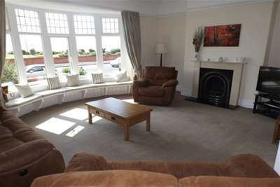 5 Bedrooms Detached House for rent in Marine Drive, Lytham St Annes
