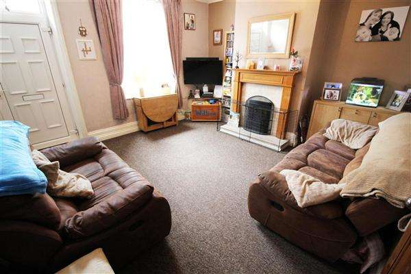 2 Bedrooms Terraced House for sale in Industrial Road, Sowerby Bridge