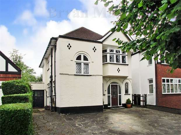 3 Bedrooms Detached House for sale in Shaftesbury Avenue, HARROW