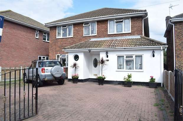 4 Bedrooms Detached House for sale in Furtherwick Road, Canvey Island, Essex