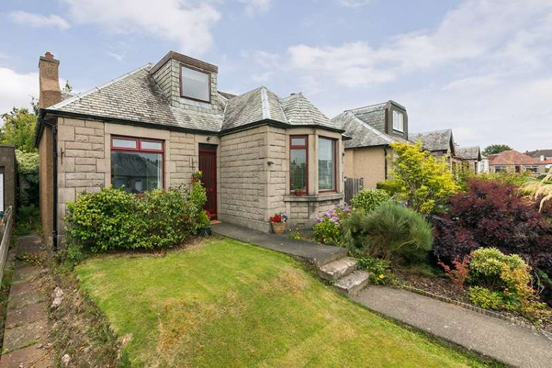 4 Bedrooms Bungalow for sale in Craigmount Gardens, Edinburgh, EH12 8EA
