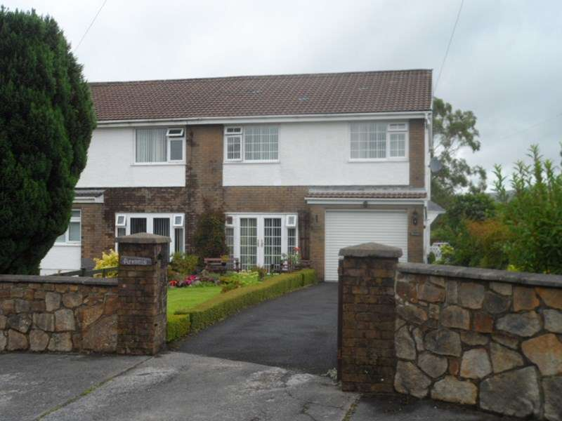 4 Bedrooms Semi Detached House for sale in Cefn Byrle Road, Coelbren, Neath