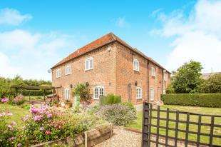 4 Bedrooms Semi Detached House for sale in North Stream, Marshside, Canterbury, Kent