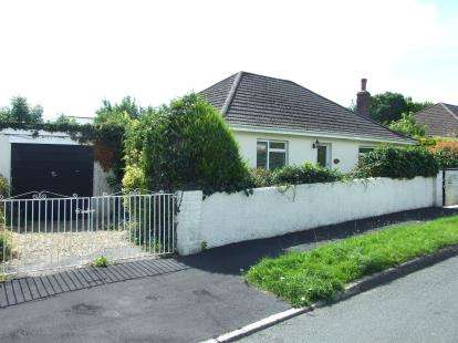 2 Bedrooms Bungalow for sale in Glenholt, Plymouth, Devon