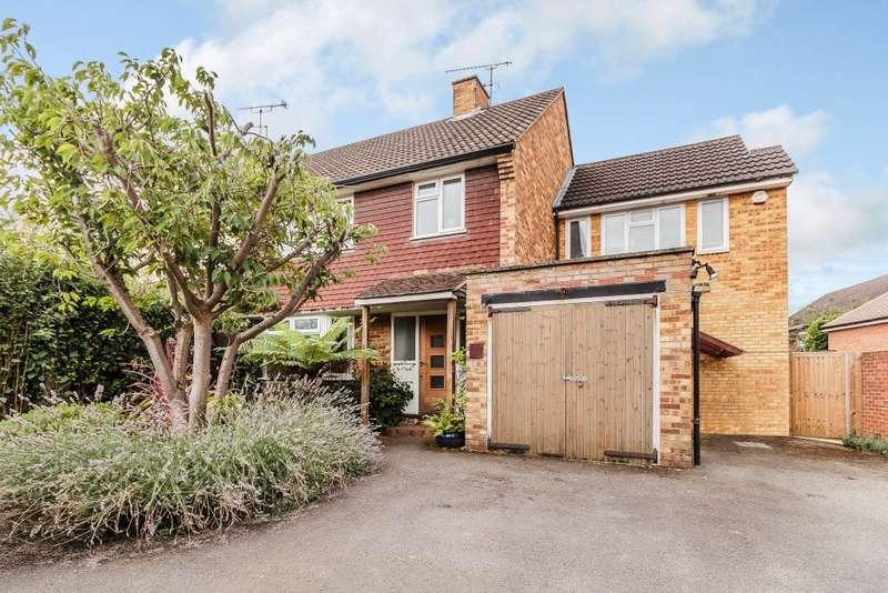 4 Bedrooms Semi Detached House for sale in Weybridge