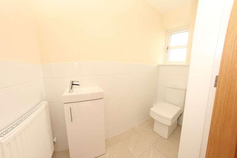 4 Bedrooms Detached House for sale in Mountain Close, Buckley, Flintshire, CH7 3JA