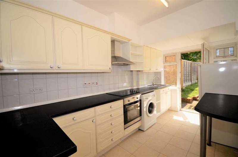 3 Bedrooms Terraced House for sale in Betstyle Road, London