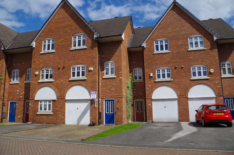 3 Bedrooms Mews House for sale in Harbury Close, Middle Hulton