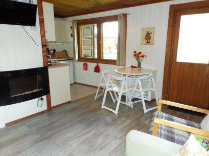 2 Bedrooms Bungalow for sale in Sidmouth Road, Rousdon, Lyme Regis