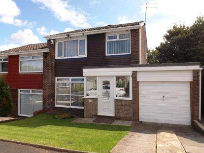 3 Bedrooms Semi Detached House for sale in Thornhope Close, Washington, Tyne and Wear, NE38