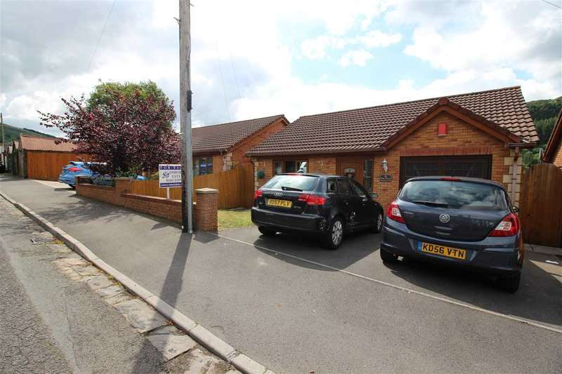4 Bedrooms Detached House for sale in Ty Glas Coed, Bryn Terrace, Pentre