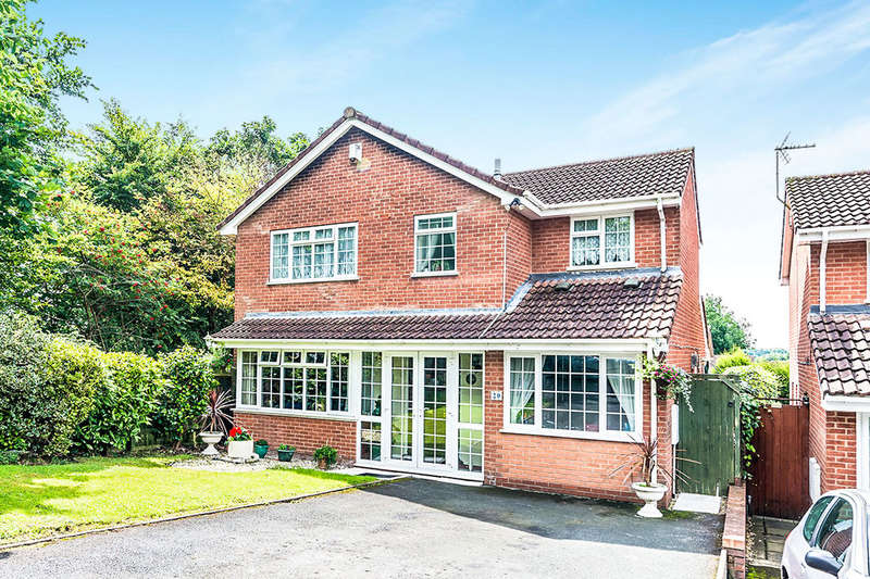 4 Bedrooms Detached House for sale in Fairburn Road, Randlay, Telford, TF3