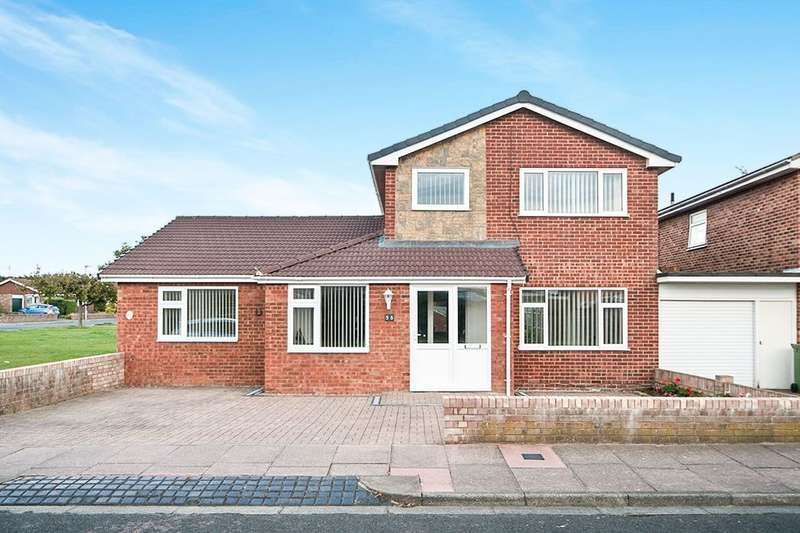 4 Bedrooms Detached House for sale in Fraser Avenue, Eastbourne, BN23