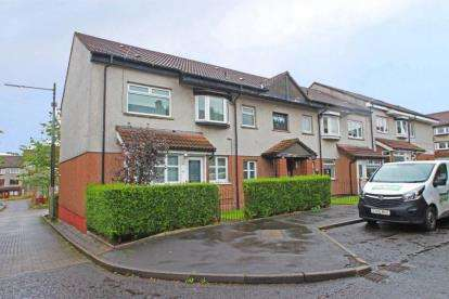 2 Bedrooms Flat for sale in Finlarig Street, Glasgow, Lanarkshire