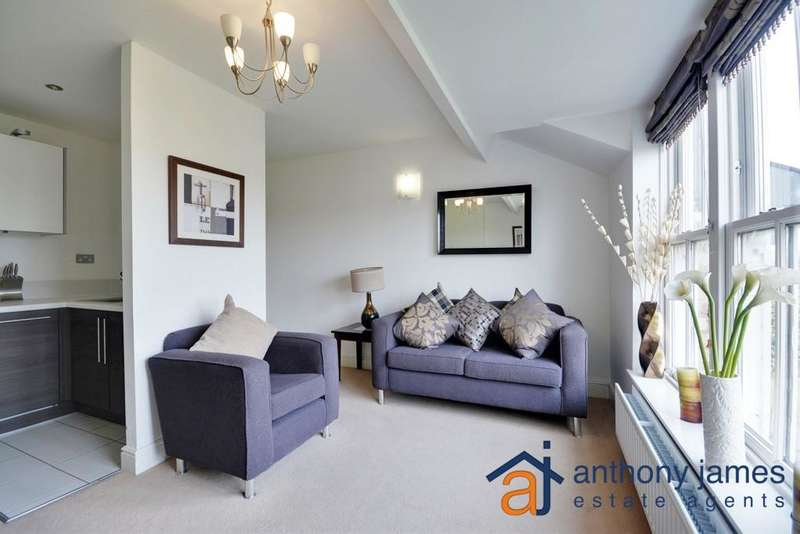 2 Bedrooms Apartment Flat for sale in Park Crescent, Hesketh Park, Southport, PR9 9LJ