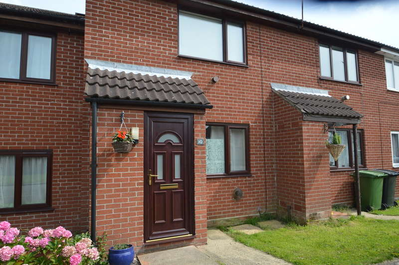 2 Bedrooms Terraced House for sale in Cannell Road, Loddon
