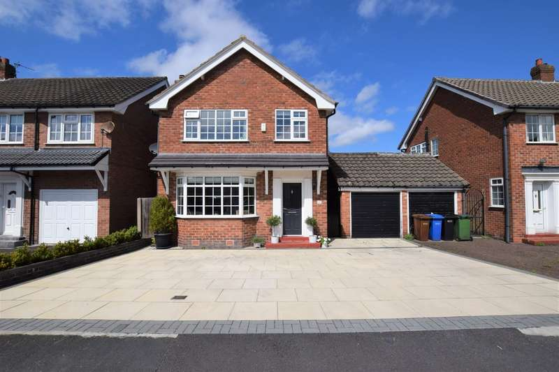 3 Bedrooms Detached House for sale in Marlborough Avenue, Cheadle Hulme