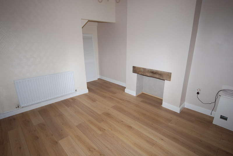 4 Bedrooms End Of Terrace House for sale in Warwick Street, Barrow-in-Furness, Cumbria, LA14 5AX