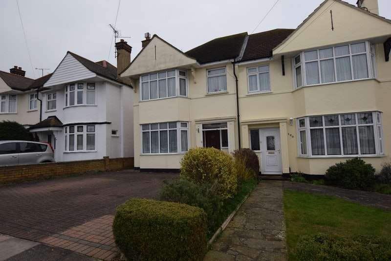 3 Bedrooms Semi Detached House for sale in Rutland Avenue, Southend-on-Sea, Essex, SS1