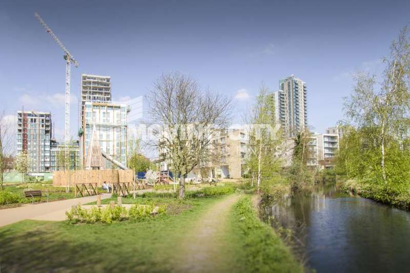 2 Bedrooms Flat for sale in Skyline, Woodberry Down, Finsbury Park, N4