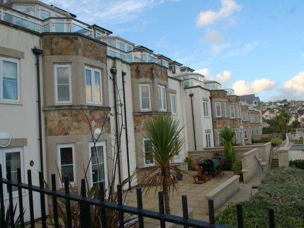 1 Bedroom Flat for sale in Compass Point, Boskerris Road, Carbis Bay, St. Ives