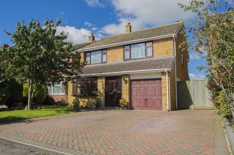 4 Bedrooms Detached House for sale in Fir Tree Avenue, Wallingford, OX10