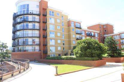 1 Bedroom Flat for sale in Monarch Way, Ilford