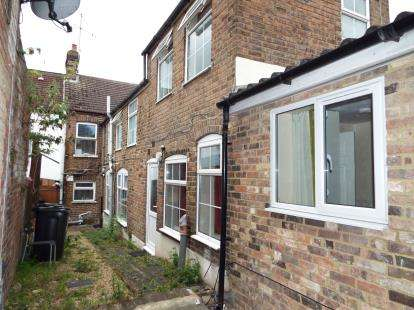 3 Bedrooms Terraced House for sale in Stanley Street, Luton, Bedfordshire