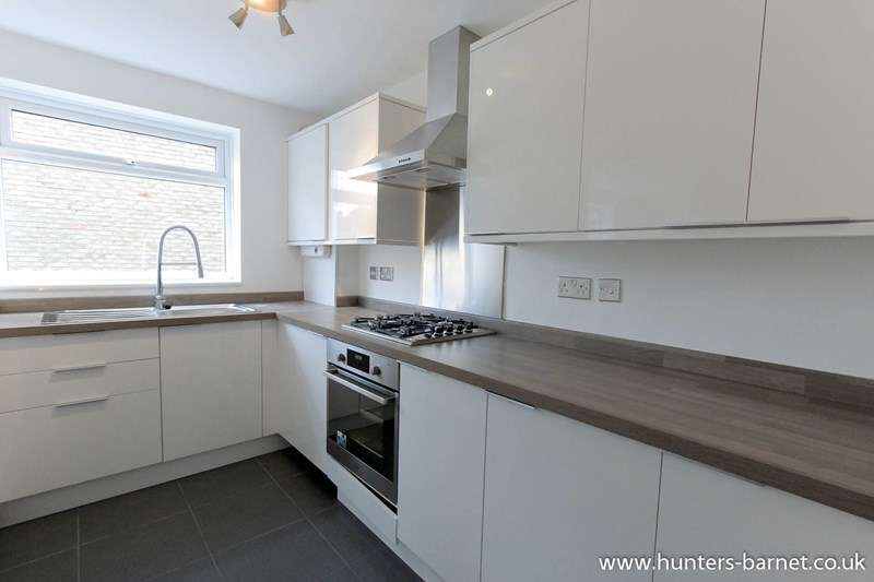 2 Bedrooms Flat for sale in Park Road, New Barnet
