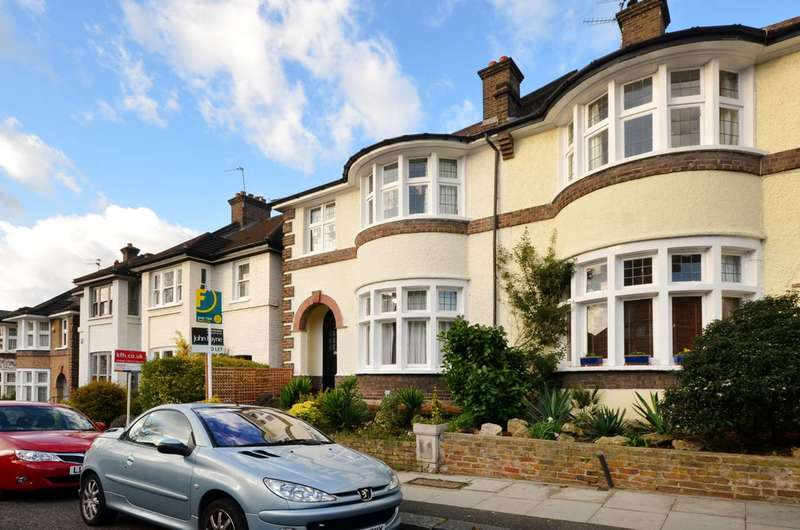 4 Bedrooms House for sale in Caterham Road, Lewisham, SE13