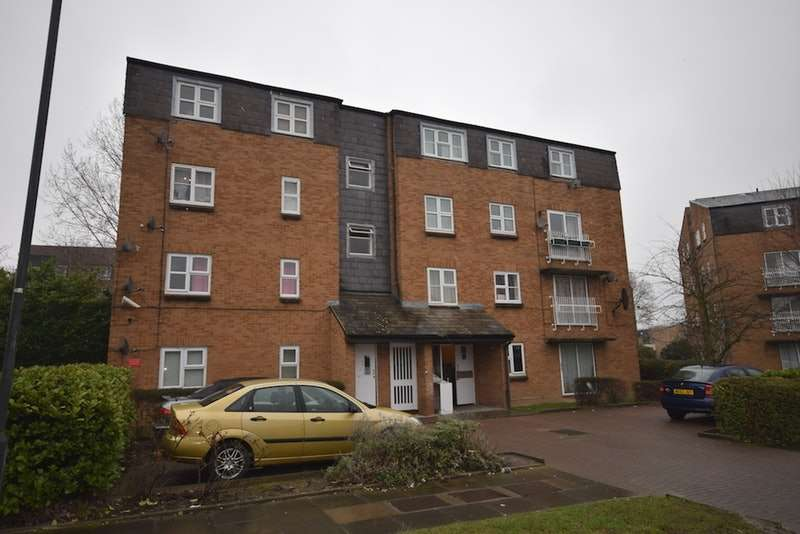 1 Bedroom Flat for sale in Garrick Drive, London, London, SE28