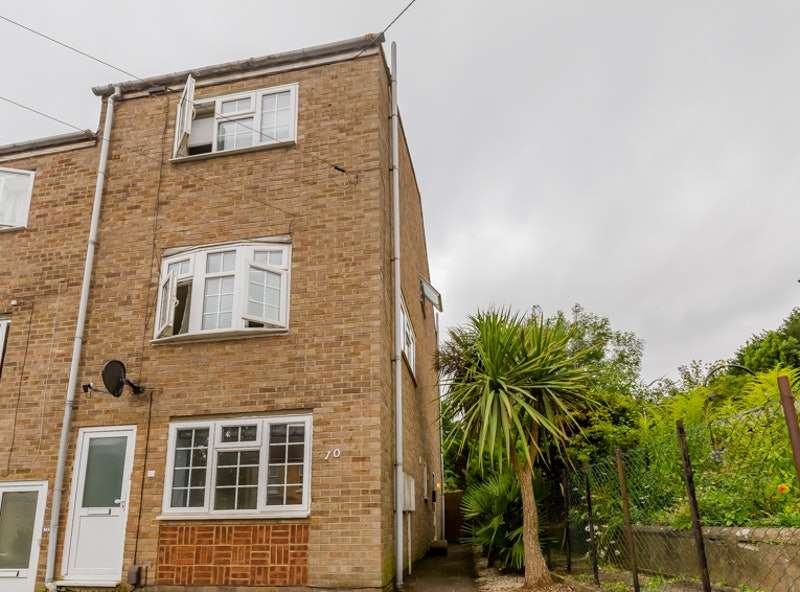 1 Bedroom Flat for sale in Bower Lane, Maidstone, Kent, ME16