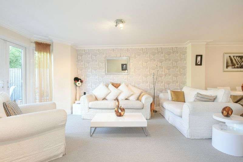 4 Bedrooms Terraced House for sale in Opulens Place, Northwood, Middlesex, HA6 2JZ