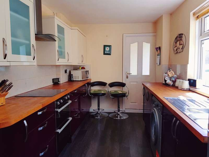 3 Bedrooms Terraced House for sale in Greenfield Place, Blaenavon, Pontypool