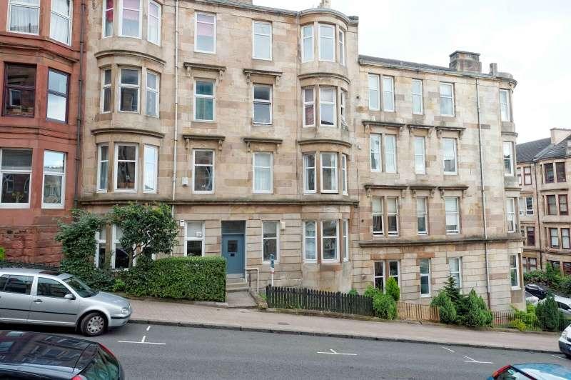 2 Bedrooms Flat for sale in Gardner Street, Partick, Glasgow, G11 5DA