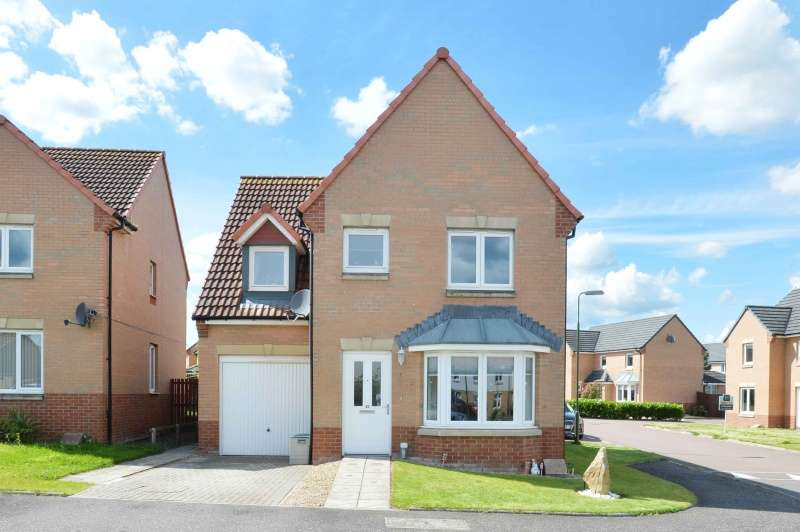 4 Bedrooms Detached House for sale in Russell Place, Bathgate, West Lothian, EH48 2GL