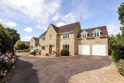 Detached House for sale in Shepherds Mead, Tetbury