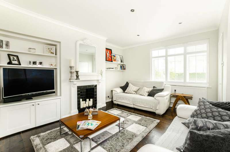 2 Bedrooms House for sale in Gospatrick Road, Wood Green, N17