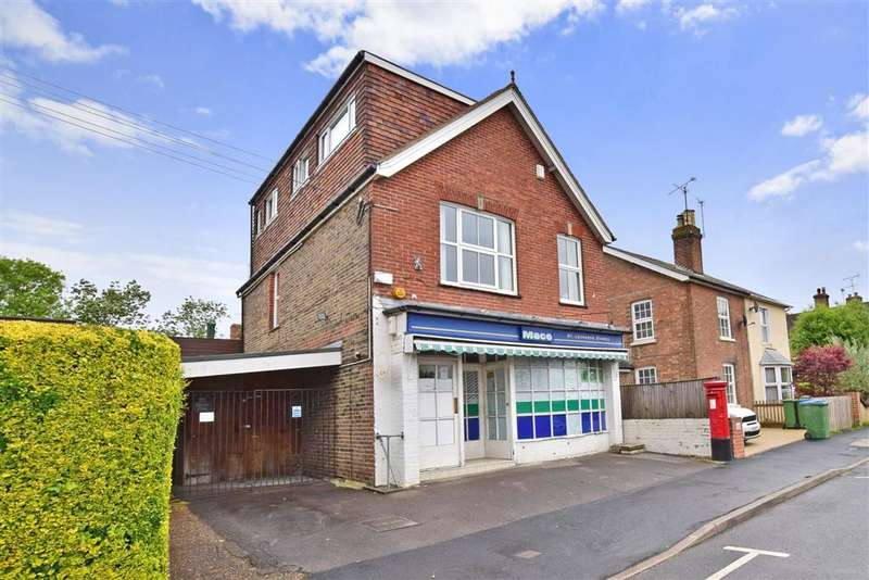3 Bedrooms Detached House for sale in St. Leonards Road, Horsham, West Sussex