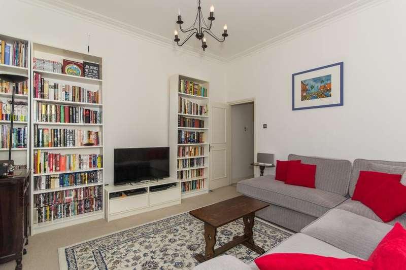 2 Bedrooms Maisonette Flat for sale in Altenburg Gardens, Battersea, SW11