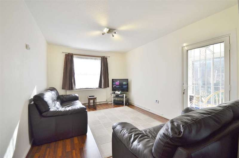 3 Bedrooms Semi Detached House for sale in Tash Place, London