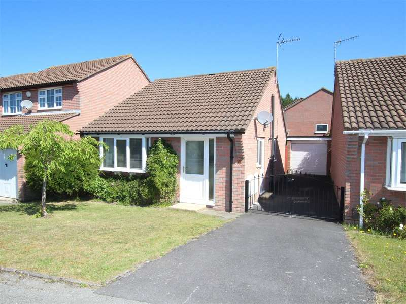 2 Bedrooms Detached Bungalow for sale in Warmwell Close, Canford Heath, POOLE, BH17