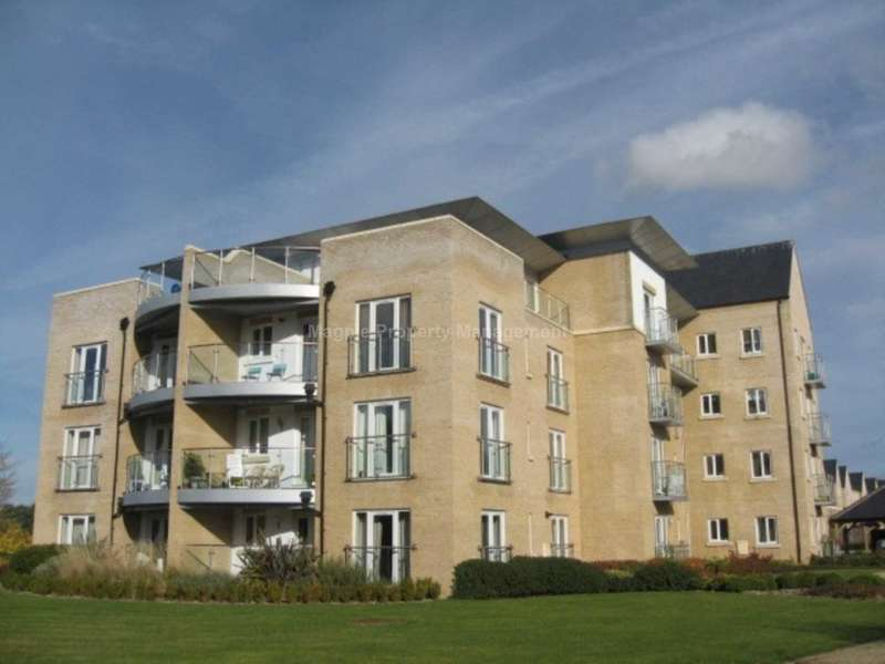 2 Bedrooms Apartment Flat for rent in Little Paxton