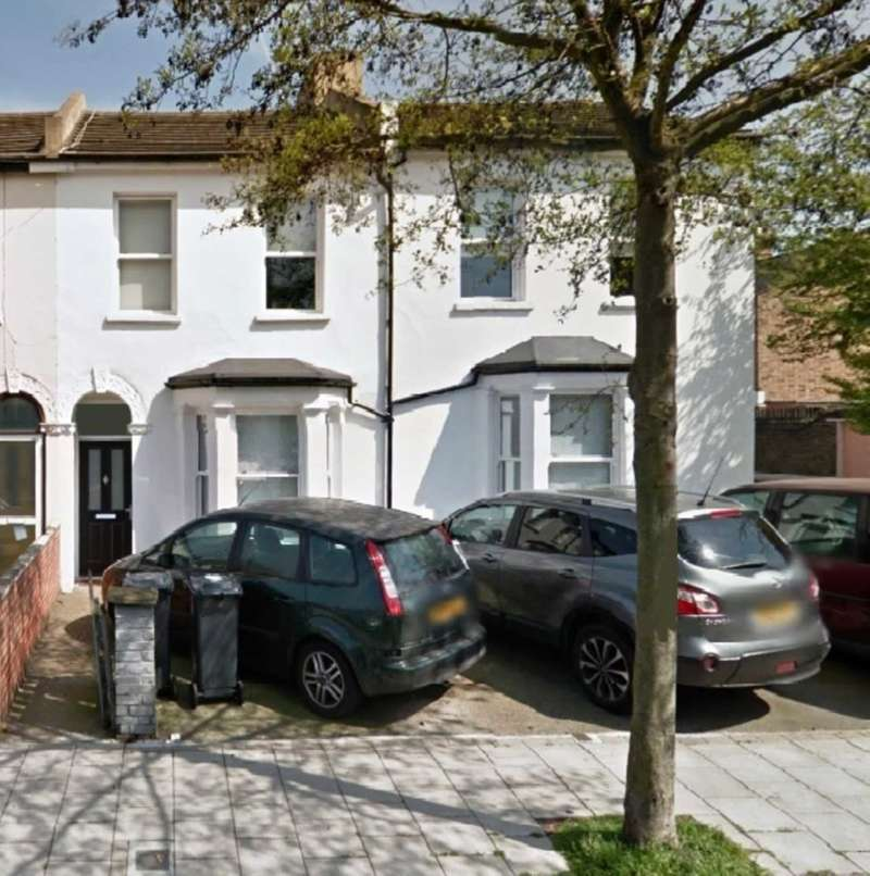 3 Bedrooms Terraced House for sale in Cambria Road, Camberwell