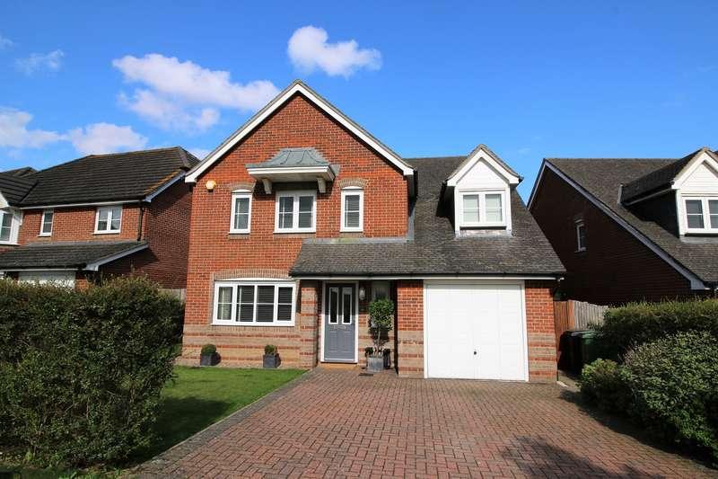 5 Bedrooms Detached House for sale in Dorset Crescent, Highfields, Basingstoke, RG22