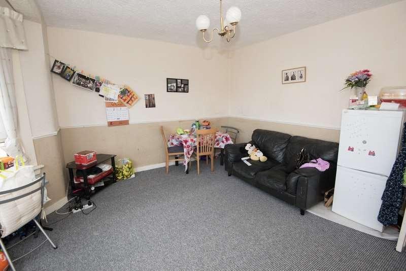 2 Bedrooms Flat for sale in Crossloan Terrace, Glasgow, Lanarkshire, G51