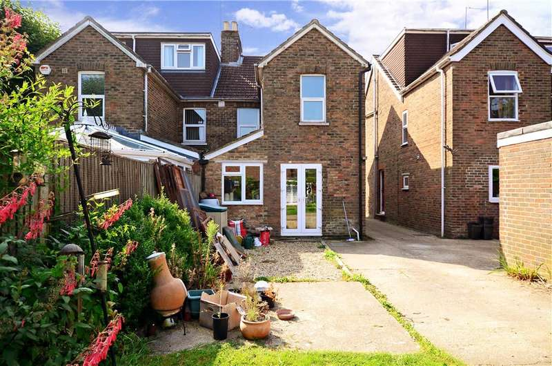 4 Bedrooms Semi Detached House for sale in Crawley Road, Horsham, West Sussex