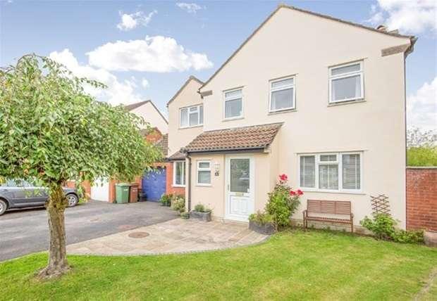 5 Bedrooms Link Detached House for sale in Burley Gardens, Street