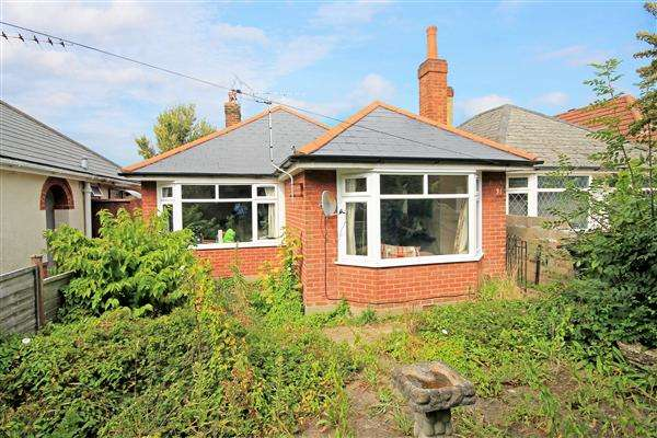3 Bedrooms Bungalow for sale in Wayne Road, Poole